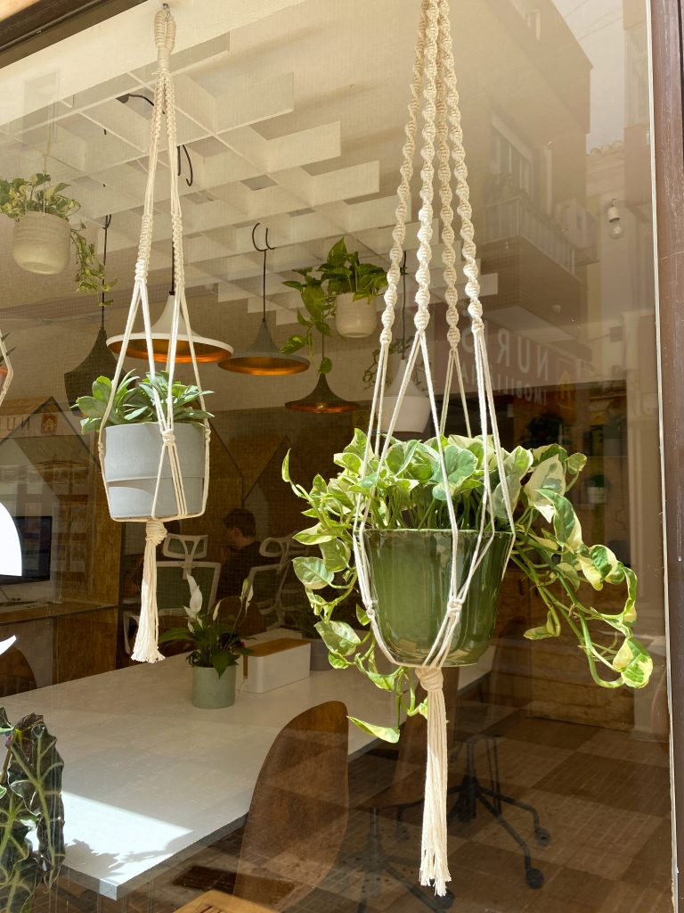 hand made hanging baskets in portimao coworking space